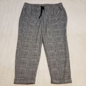 BOGO🦋 in every story Houndstooth Plaid Pants